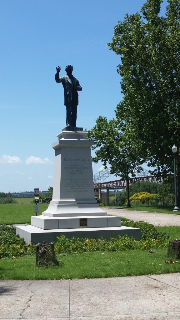 confederate davis statue